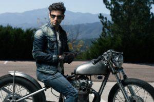 シンプル イズ ベスト!アメリカンバイクを乗りこなすおしゃれな服装3選!