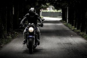 着飾るのは厳禁!?シンプルな服装でアメリカンバイクをおしゃれに乗りこなせ!