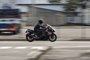 スピード違反は何キロから検挙される?
