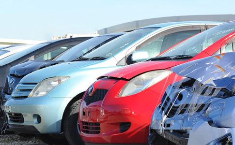 タウの事故車買取はオークション?オークションのトラブルや流れも解説!